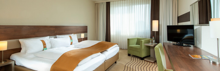 Holiday Inn Berlin City East Businesszimmer